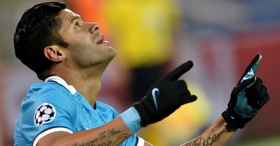 Hulk comemora após abrir o placar para o Zenit contra o Benfica pela Liga dos Campeões