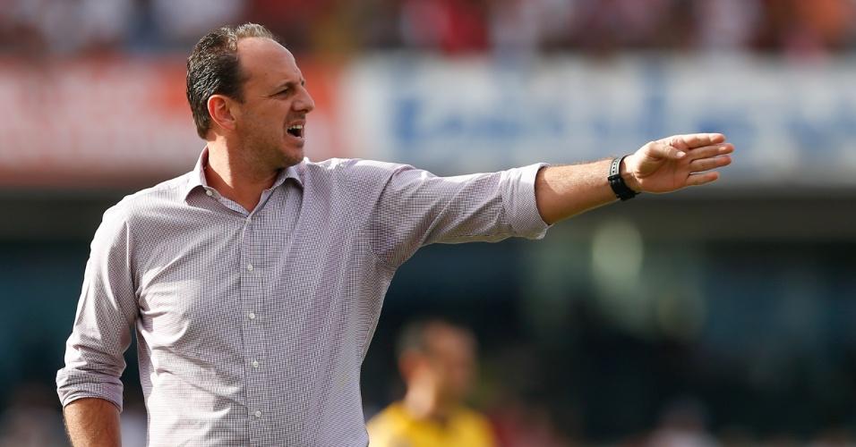 Rogério Ceni orienta time no clássico do Morumbi, contra o Corinthians