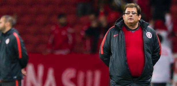 Guto Ferreira foi bancado pela direção do Internacional após derrota em casa