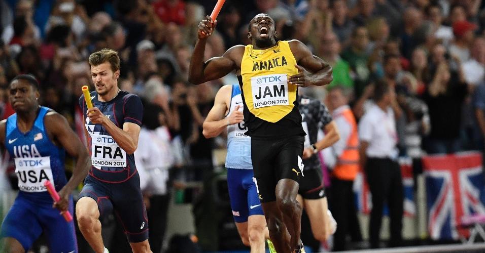 Bolt para ao sentir uma lesão na perna durante a final dos 4x100m