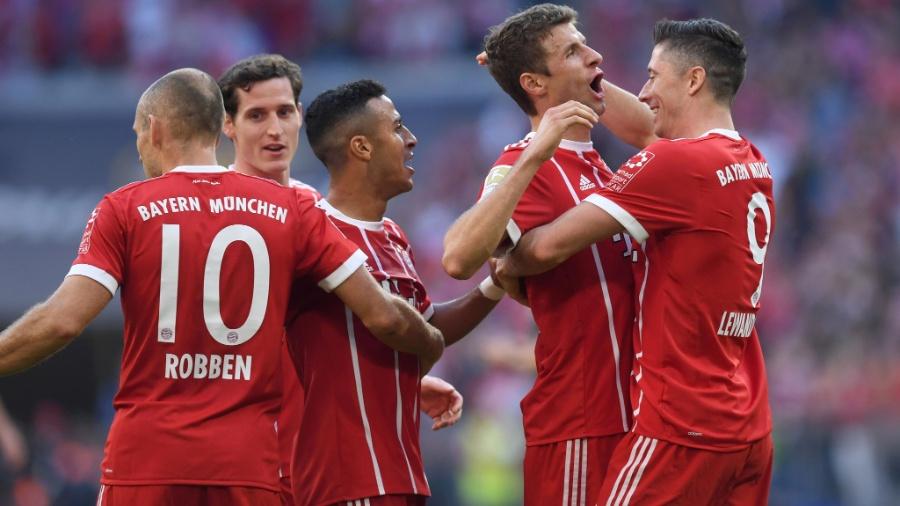 Bayern celebra goleada sobre o Freiburg - AFP / CHRISTOF STACHE