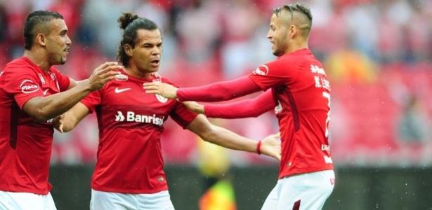 Camilo e Nico López foram os destaques do Inter na despedida da segunda divisão