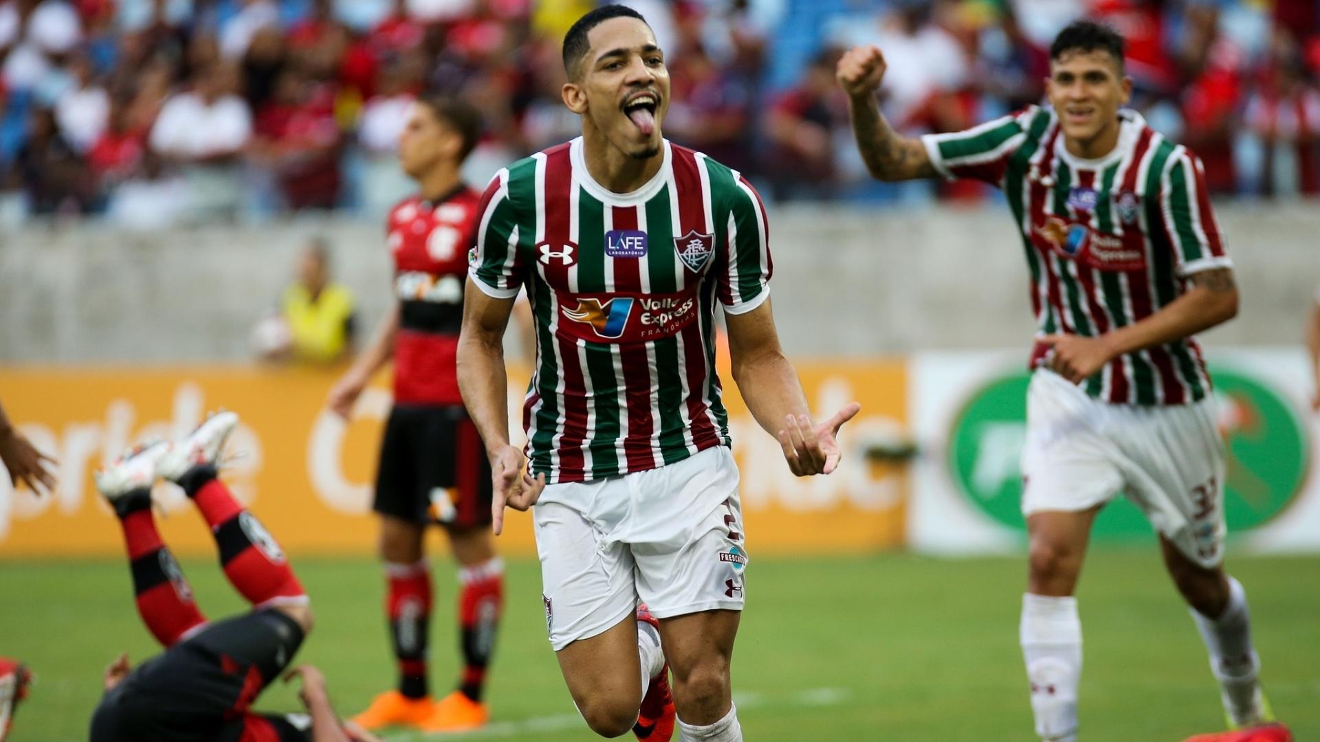 Gilberto comemora seu gol no duelo entre Fluminense e Flamengo pela segunda rodada da Taça Rio em Cuiabá, na Arena Pantanal