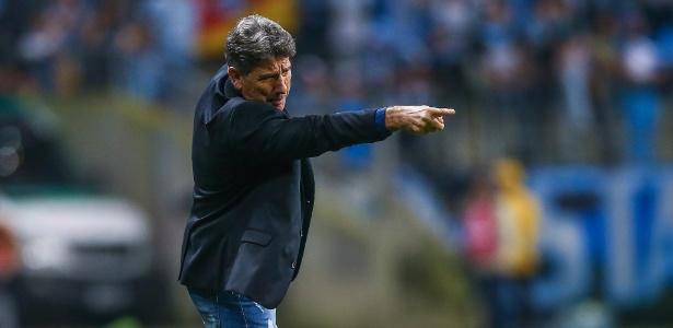 Renato Gaúcho gesticula durante Grêmio x Estudiantes, pela Libertadores - Lucas Uebel/Grêmio