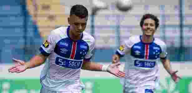 Atacante Vinícius Popó deixou três gols na goleada celeste por 6 a 0 - Gustavo Aleixo/Cruzeiro
