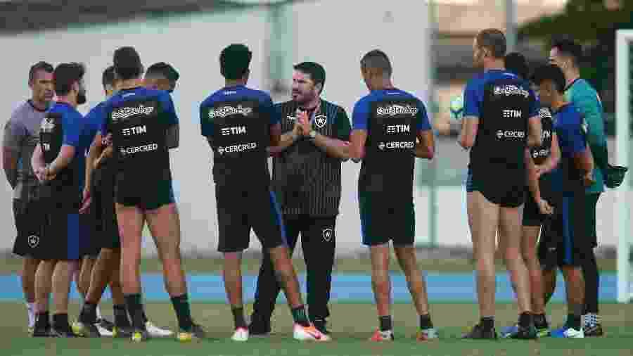 jogadores do Botafogo recebem boa notícia nesta sexta: diretoria pagou um mês de salário - VITOR SILVA/SSPRESS/BOTAFOGO