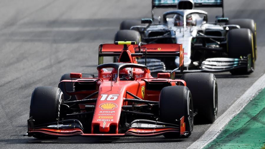 Charles Leclerc e Lewis Hamilton durante GP da Itália - Massimo Pinca/Reuters
