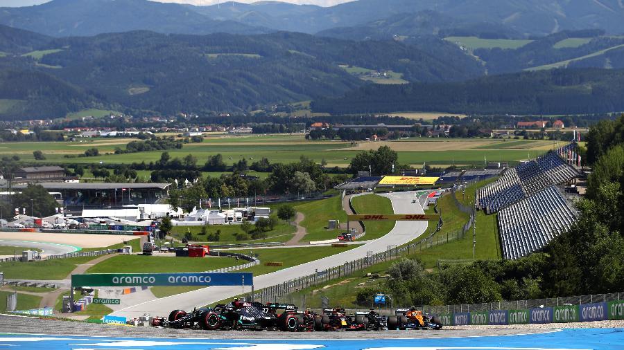 Finlandês Valtteri Bottas da Mercedes durante o GP da Áustria -  Bryn Lennon/Getty Images