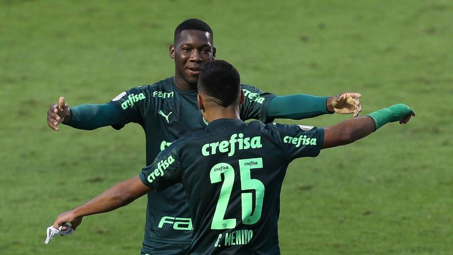 Patrick de Paula e Gabriel Menino no jogo entre Palmeiras e Santos - Cesar Greco