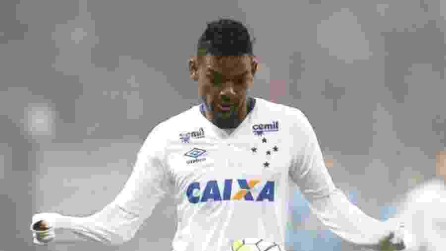 Bruno Viana foi vendido ao Olympiacos em agosto de 2016 por cerca de R$ 7,6 milhões  - Divulgação
