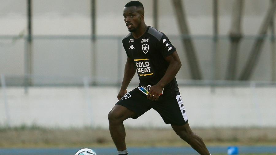 Kayque, volante do Botafogo - Vitor Silva / Botafogo
