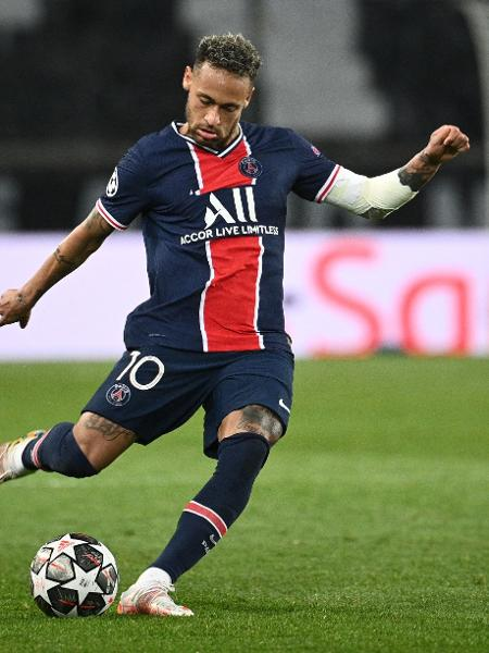 Neymar promete virada do PSG sobre o Manchester City na Liga dos Campeões - ANNE-CHRISTINE POUJOULAT/AFP