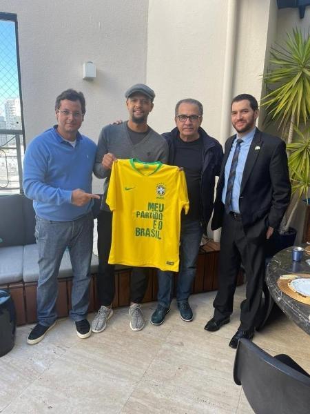 Felipe Melo se encontrou com Fabio Wajngarten, ex-secretário do governo Bolsonaro, o pastor Silas Malaia e o cônsul de Israel em SP Alon Lavi - Reprodução