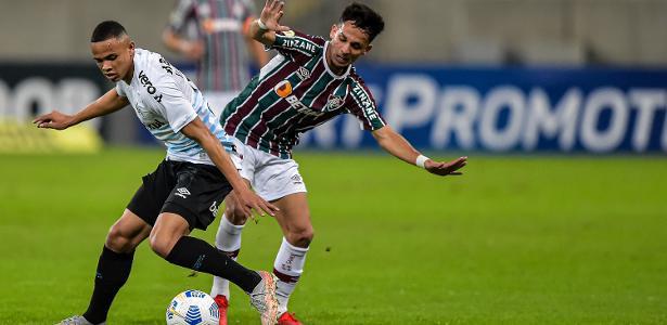 Lateral deixa partida chateado e Grêmio minimiza: