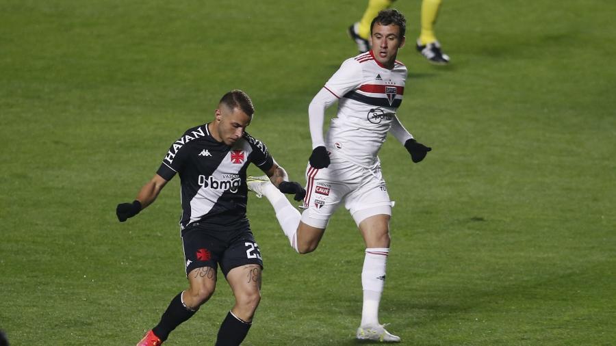 O São Paulo abriu vantagem no duelo contra o Vasco, que agora será no RJ com três canais exibindo - FERNANDO ROBERTO/UAI FOTO/ESTADÃO CONTEÚDO
