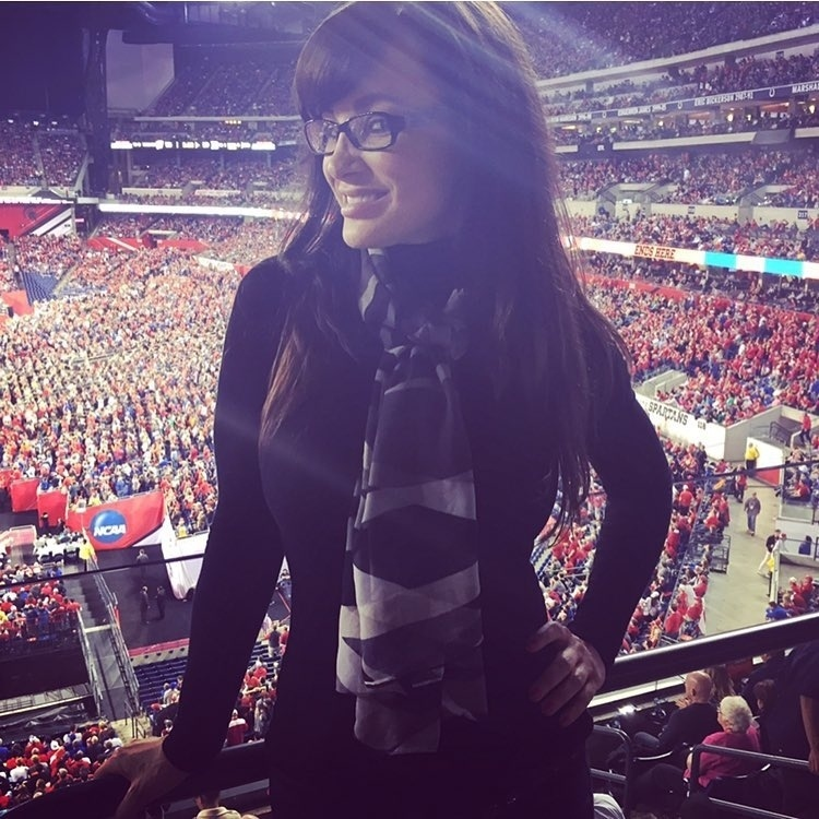Ex-atriz pornô, Lisa Ann, de 43 anos, agora apresenta programa e comenta futebol americano em rádio dos EUA