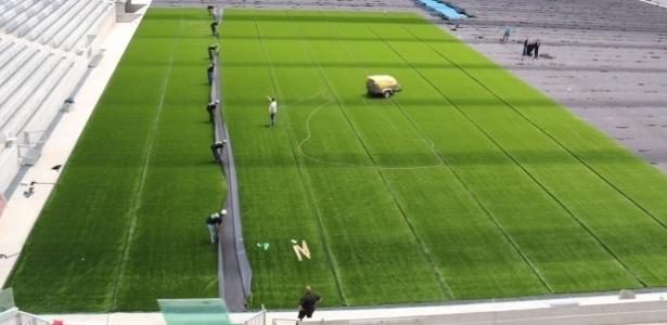 Arena da Baixada realiza a troca da grama natural pela sintética