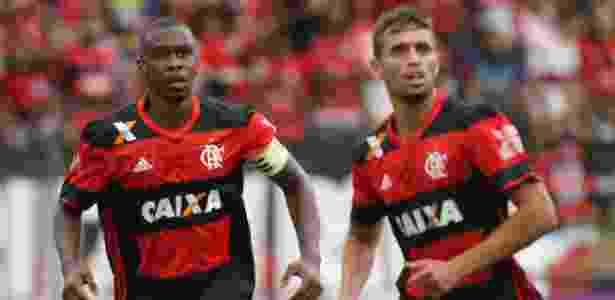 Juan (e) não escondeu o descontentamento com a eliminação do Flamengo - Gilvan de Souza/ Flamengo