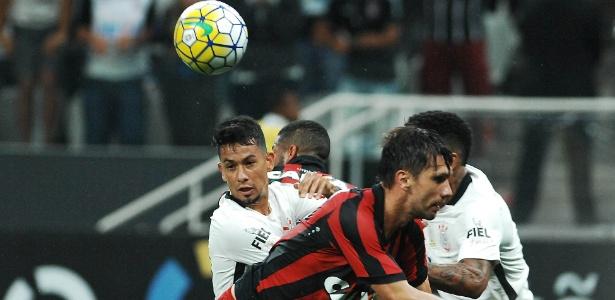 Np último tropeço em casa, Corinthians ficou no 0 a 0 com Atlético-PR