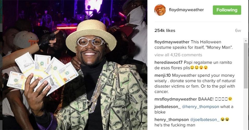 Floyd Mayweather sempre estará presente em todas as listas de ostentação. Ficar longe do boxe não o impediu de posar com doláres e em festas