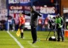 """Jair comemora """"vantagem mínima"""" e pede """"pés no chão"""" ao Botafogo - Andres Stapff/Reuters"""