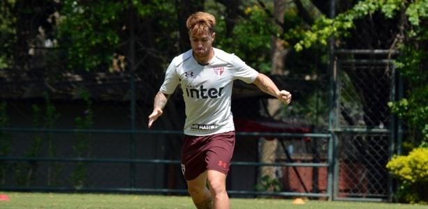 O lateral direito Buffarini não deve continuar no São Paulo em 2018
