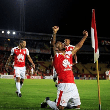Independiente Santa Fé comemora vitória sobre o Santiago Wanderers na Pré-Libertadores - Divulgação