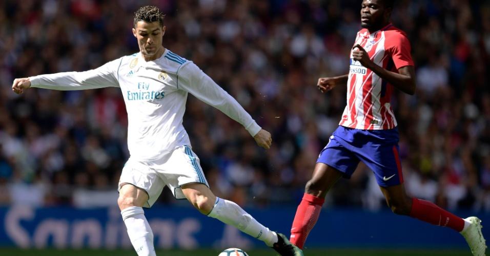 No dérbi de Madrid, Cristiano Ronaldo arrisca de fora da área