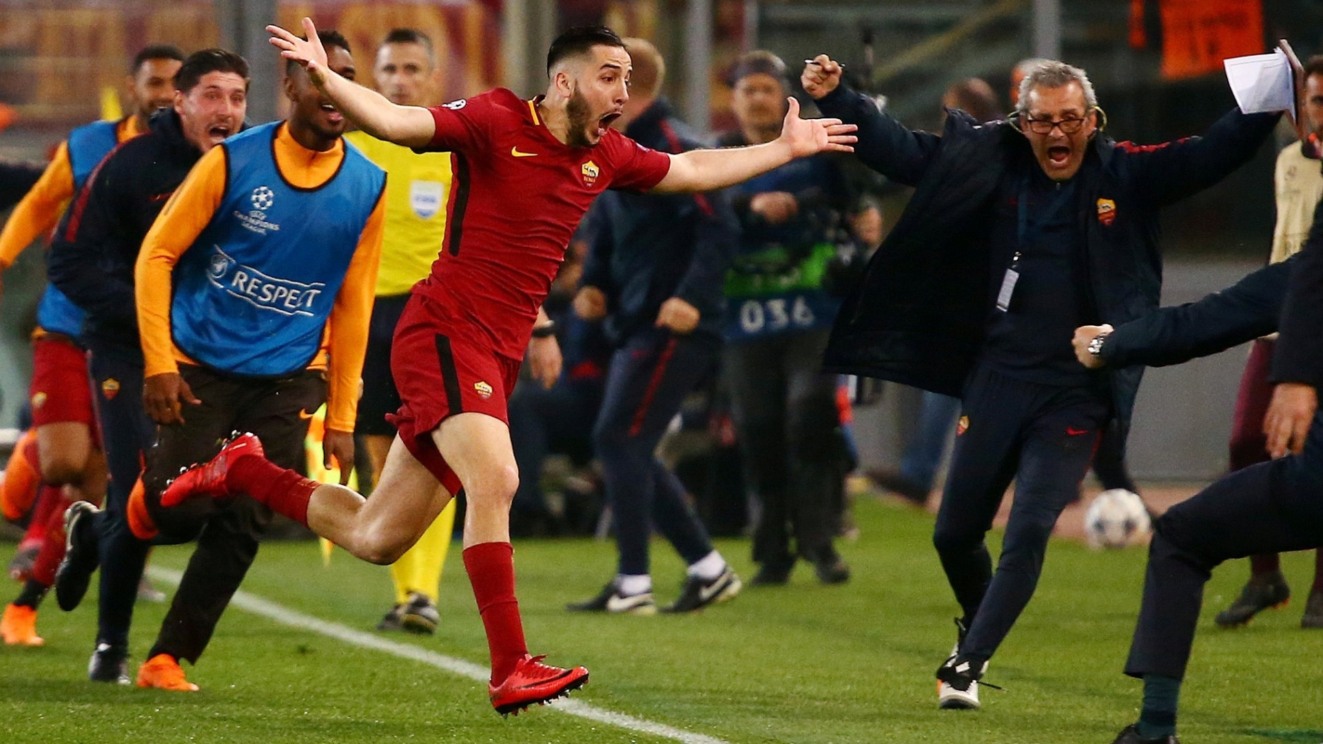 Manolas comemora o gol que fez a Roma eliminar o Barcelona na Liga dos Campeões