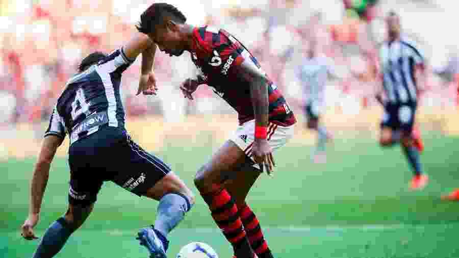 Clássico entre Flamengo e Botafogo é um dos destaques da 31ª rodada - Bruna Prado/Getty Images