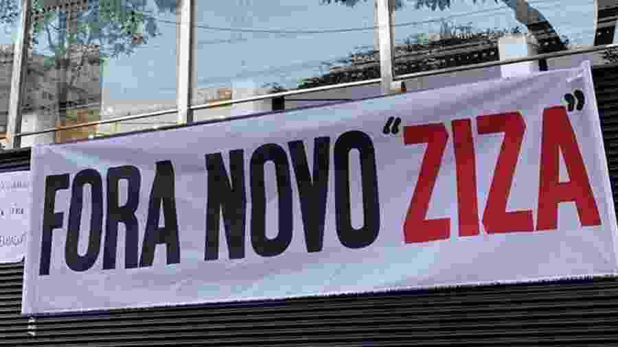 Torcida do Atlético-MG protesta contra o presidente Sérgio Sette Câmara - Reprodução