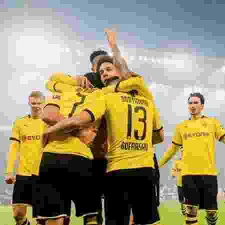 Jogadores do Borussia Dortmund comemoram gol contra o Eintracht Frankfurt - Divulgação/Borussia Dortmund