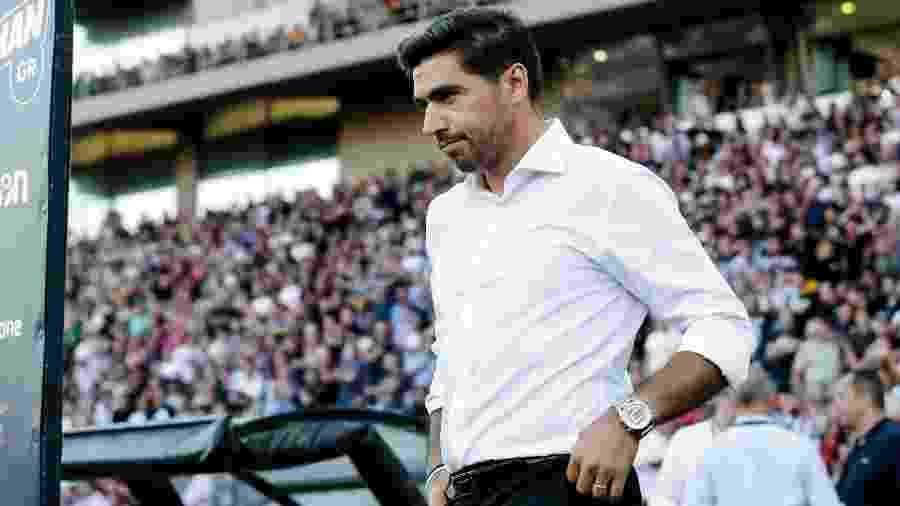 Abel Ferreira, técnico do PAOK, durante jogo da Liga dos Campeões; técnico deve assumir o Palmeiras - Erwin Spek/Soccrates Images/Getty Images