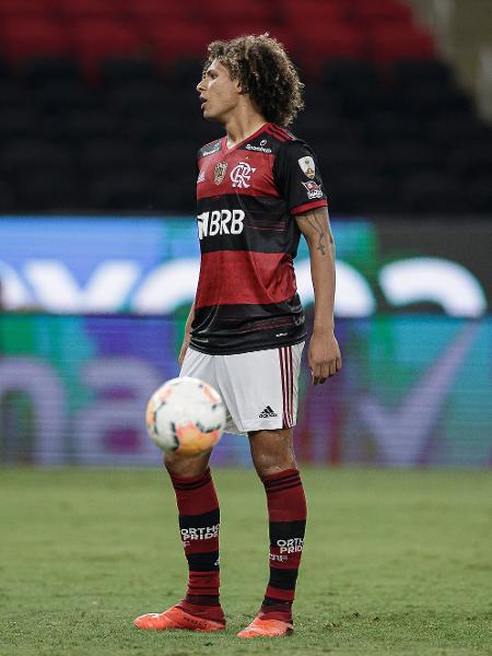 Willian Arão perde pênalti na eliminação do Flamengo para o Racing na Libertadores - André Mourão/Foto FC/UOL