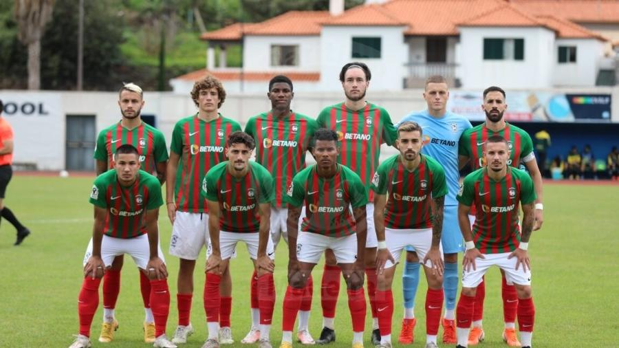 Escalação do time sub-23 do Marítimo, com presença de Bolkiah (primeiro agachado à esquerda) - Divulgação
