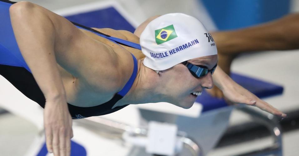 Graciele Herrmann larga na prova de natação dos100m femininos dos Jogos Pan-americanos