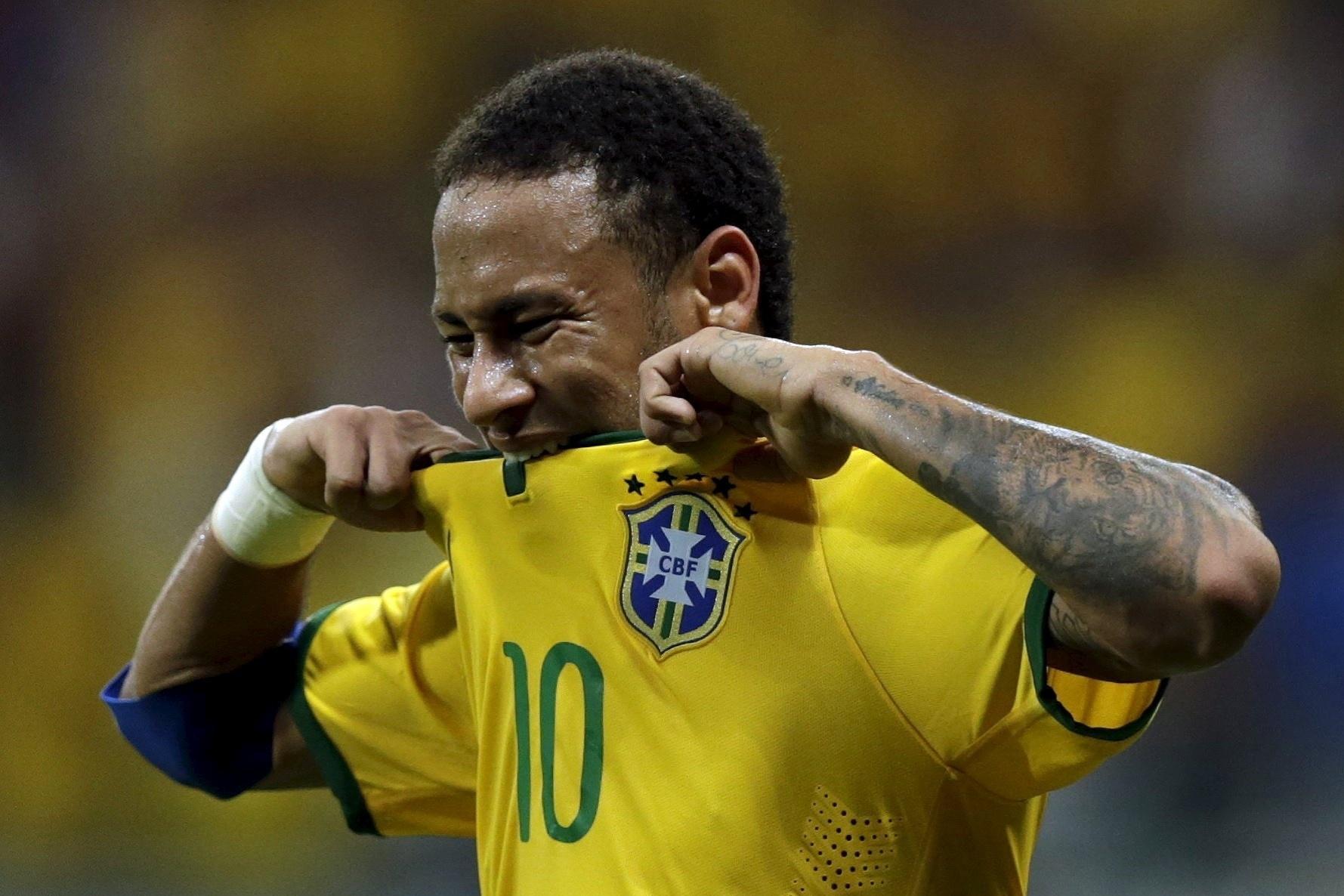 Neymar lamenta chance perdida pelo Brasil contra o Peru, nas Eliminatórias