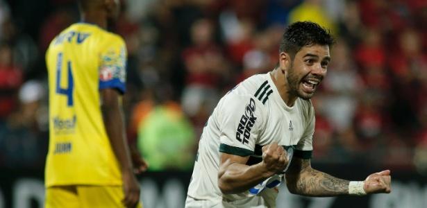 Henrique Almeida esteve no Coritiba emprestado, mas clube não exerceu compra