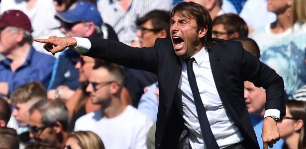 O italiano Antonio Conte, técnico do Chelsea