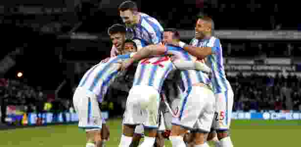 Jogadores do Huddersfield comemoram gol contra o Manchester City - Carl Recine/Reuters - Carl Recine/Reuters