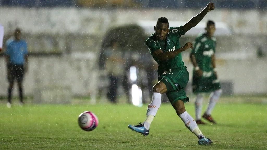 6f8dc5db44 Palmeiras se irrita com apagões e não quer jogar à noite na Copinha - 10 01  2018 - UOL Esporte