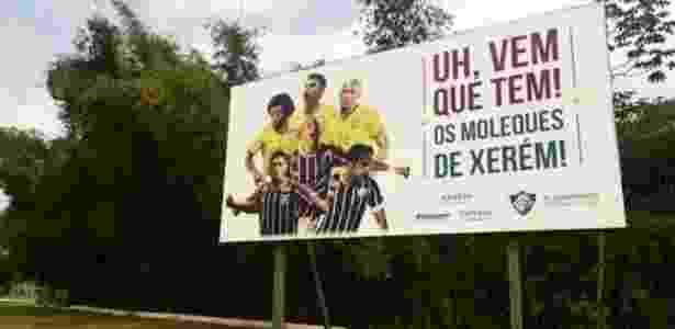 Versão antiga do outdoor no CT de Xerém, ainda com Gustavo Scarpa em destaque - Divulgação/Fluminense