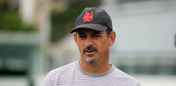 Valdir Bigode comandará o Vasco interinamente contra o Cruzeiro nesta quarta