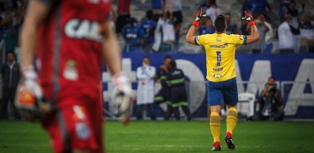 Goleiro foi espetacular na decisão contra o Santos e pegou três cobranças de pênalti - Vinnicius Silva/Cruzeiro