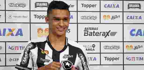 5dde2fa94a Sem oportunidade no Palmeiras