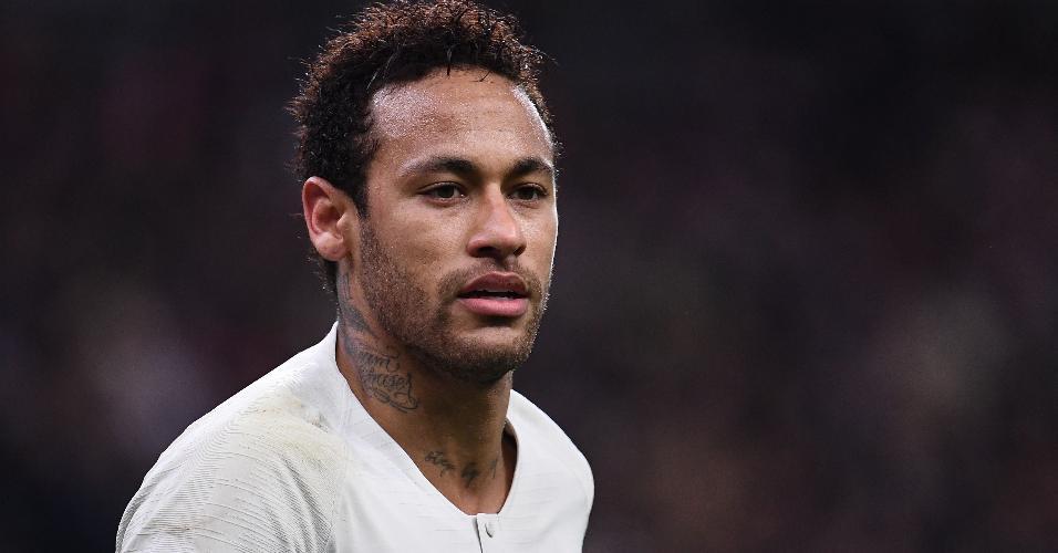 Neymar foi elogiado pela imprensa francesa no retorno ao time titular