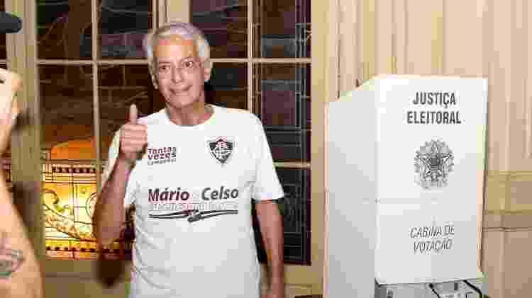 Celso Barros, que é vice-geral na chapa de Mario Bittencourt, vota na eleição do Fluminense - Mailson Santana/Fluminense FC