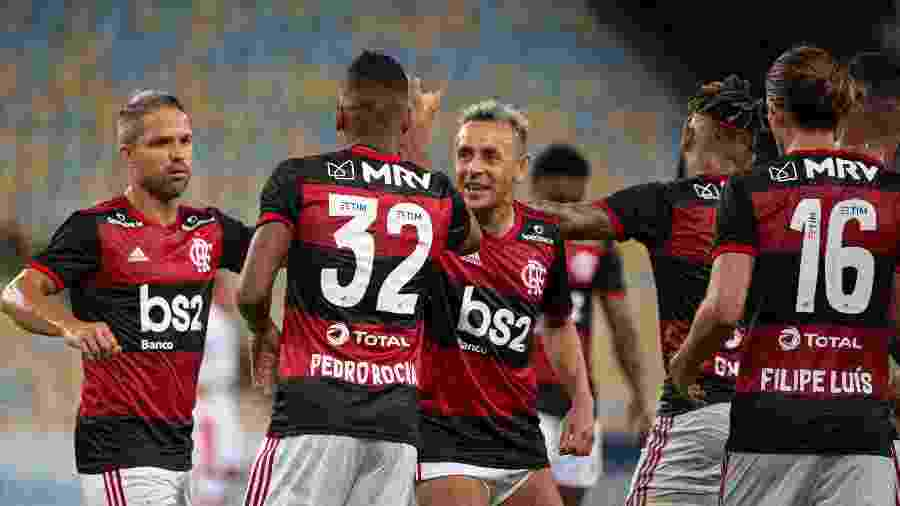 Time do Flamengo festeja gol em jogo no Maracanã. Clube vai transmitir jogo no Youtube - Alexandre Vidal/Flamengo