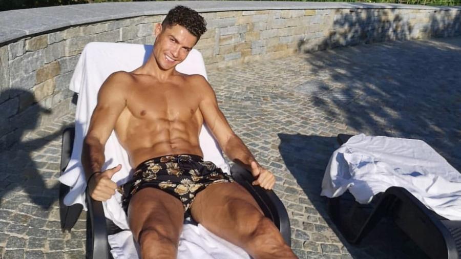 Cristiano Ronaldo pega sol - Reprodução/Instagram