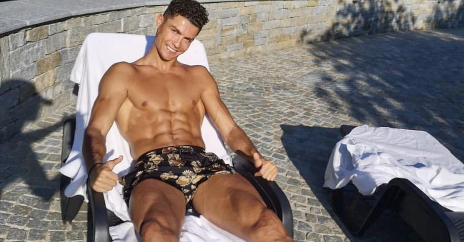 Cristiano Ronaldo pega sol